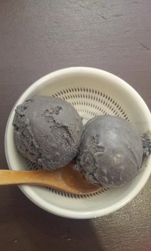 glace-au-sesame-noir